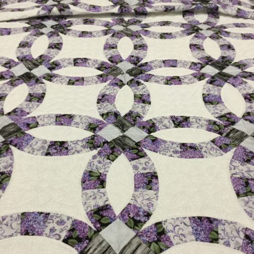 Wedding Ring Quilt - Queen - Family Farm Handcrafts