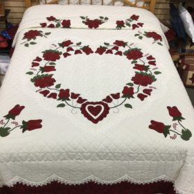 Lacy Heart of Roses - Queen - Family Farm Handcrafts