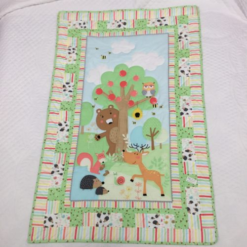 Hedgehog Baby Quilt - Family Farm Handcrafts