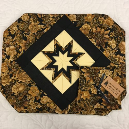 Folded Star Placemat - Family Farm Handcrafts