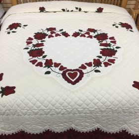 Lacey Heart of Roses Quilt - King - Family Farm Handcrafts