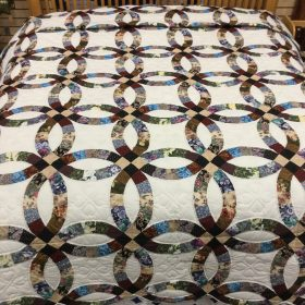 Wedding Ring Quilt - King - Family Farm Handcrafts