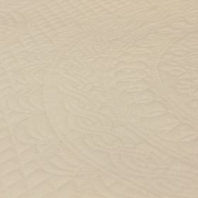 White quilt - Heirloom quilting - Family Farm Quilts