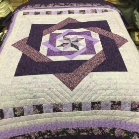 Labyrinth Quilt- Queen-Family Farm Handcrafts
