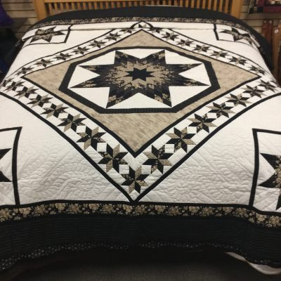 Twinkling Star amish quilt pattern design style