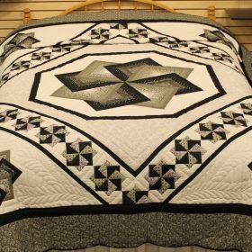 Queen size quilt - Spin Star Queen Quilt