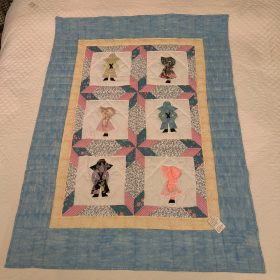 Dutch Boy and Girl Baby Quilt - Family Farm Handcrafts