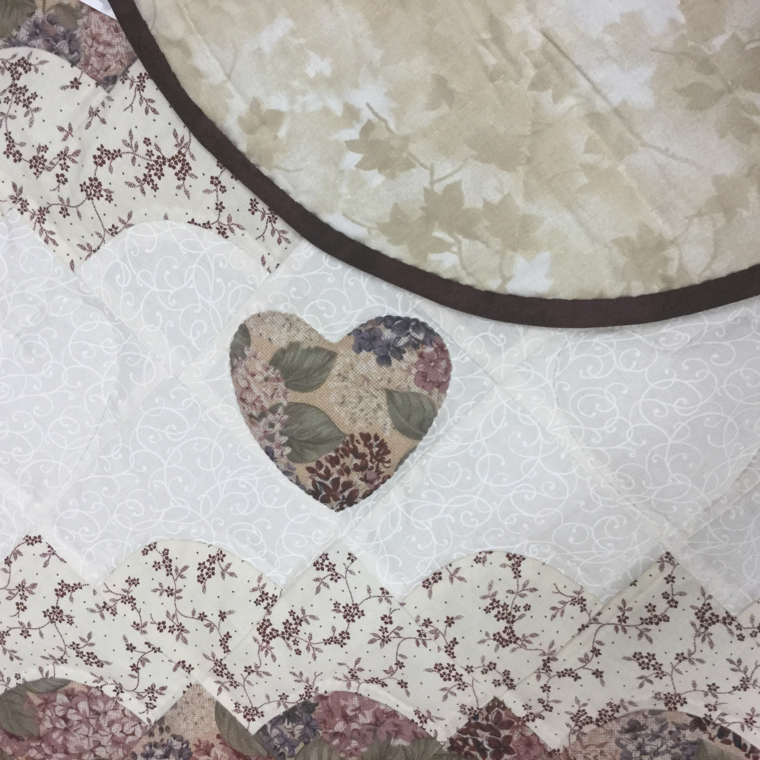 Hearts All Around Quilt-Queen-Family Farm Handcrafts