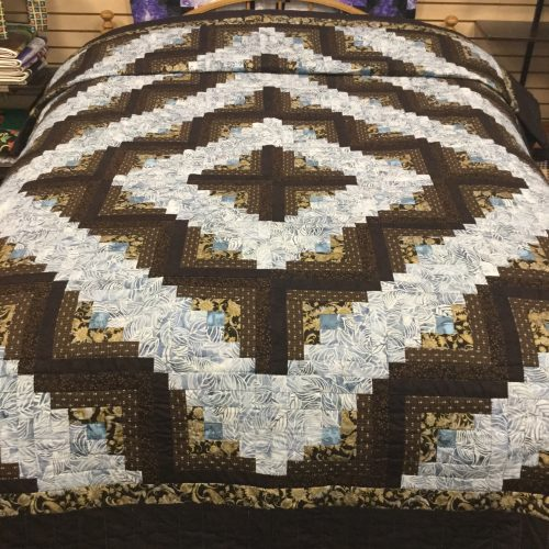 Log Cabin Quilt-Queen-Family Farm Handcrafts