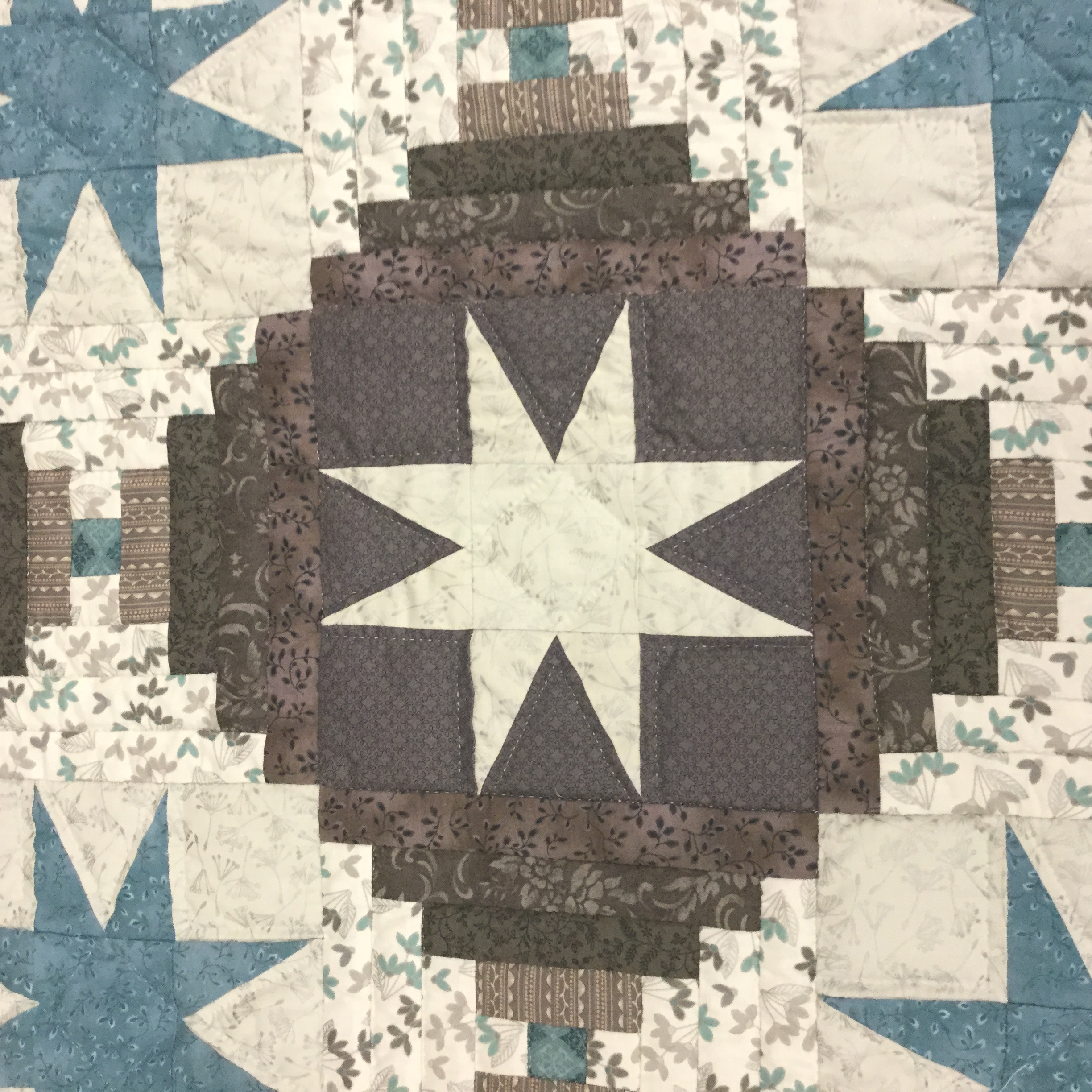 Eight Point Star Quilt-King-Family Farm Handcrafts
