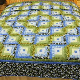 Log Cabin Quilt for sale- King size