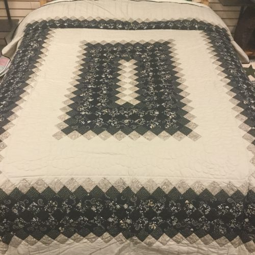 Walk In The Park Quilt-Queen-Family Farm Handcrafts