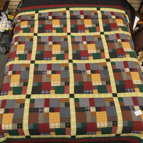Homespun Quilt- Brick and Mortar Queen Quilt