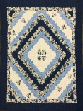 Hearts All Around Throw Quilt-Family Farm Handcrafts