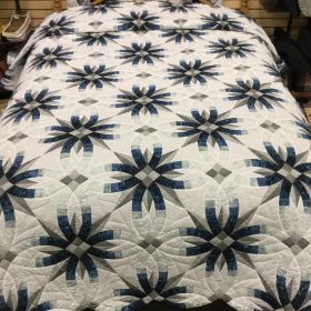 Star Wedding Ring Quilt-Queen-Family Farm Handcrafts