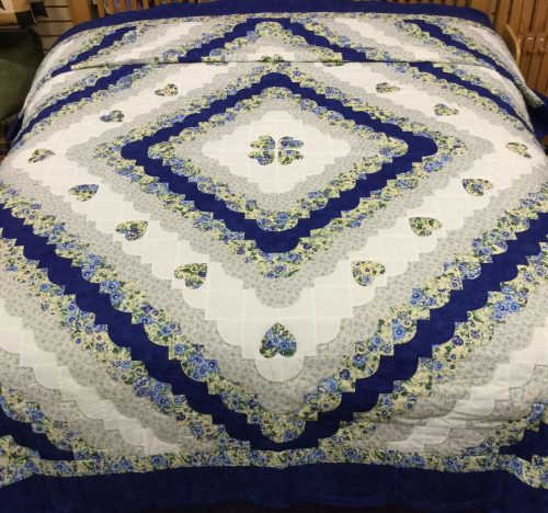Hearts All Around Quilt - King - Family Farm Handcrafts