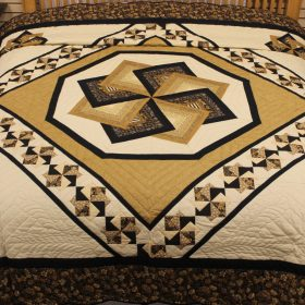 Black and gold quilt - Spin Star quilt - King quilt - Family Farm Quilts