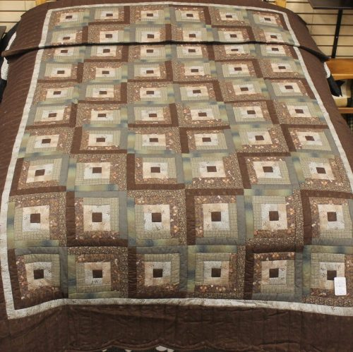 Twin Log Cabin Quilt - Family Farm Quilts