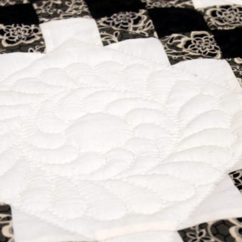 Amish Hand-quilting - Family Farm Quilts