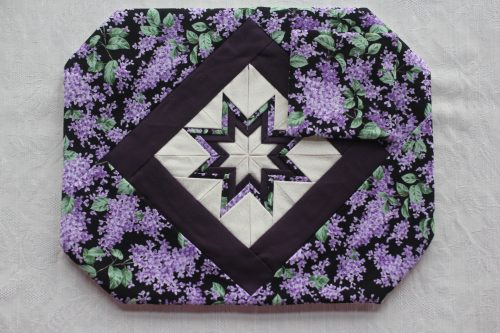 Folded Star Placemat-Family Farm Handcrafts