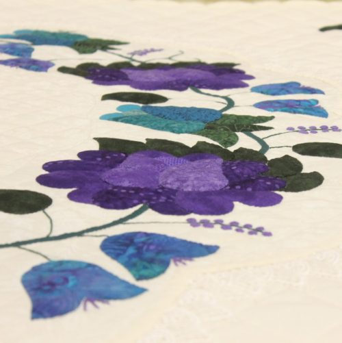 Appliqued Roses - Family Farm Quilts