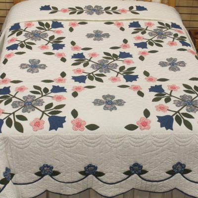 appliqued amish quilt pattern design style