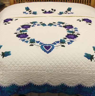 lacy heart of roses amish quilt pattern design style